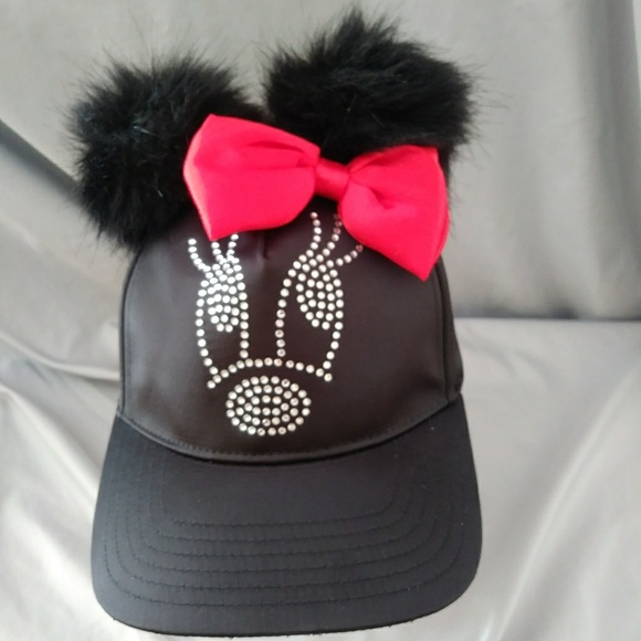 f522a3b55 Minnie Mouse CAP with Puffball Ears NWT